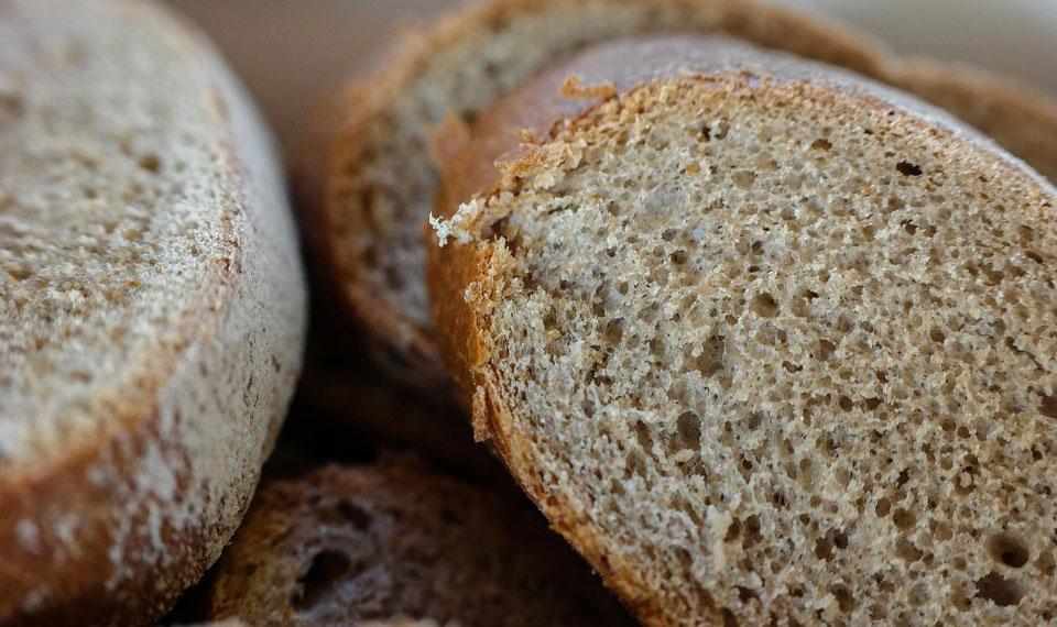 bread-565335